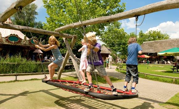 Spelende kinderen in Plaswijckpark