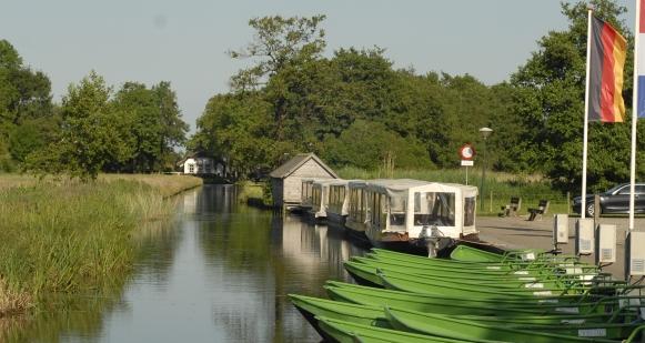 Huur een fluisterboot bij Rondvaart Zuideinde