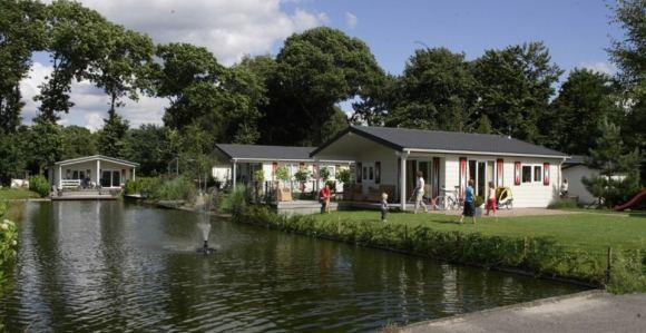 Chalet kamperen gelderland veluwe voorthuizen dagjeweg nl for Woonboerderij veluwe te koop