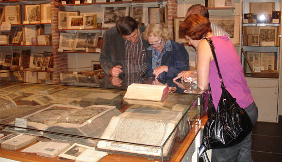 Bijzondere bijbels in het Statenbijbelmuseum