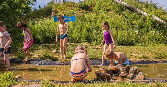 Denderend speelplezier bij de Speelrivier in Avonturenpark Valdeludo